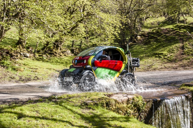 lowres-rural-twizy-shoot2-164-2